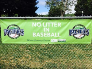 Banner No Litter in Baseball