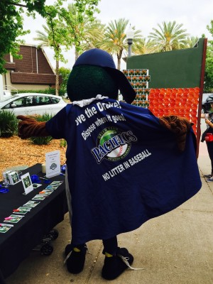 Drakes cape No Litter in Baseball